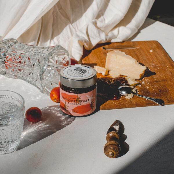 Confettura extra di pomodori rossi e vaniglia_02