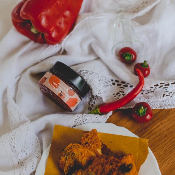 Passione di peperoni rossi e peperoncini piccanti_01